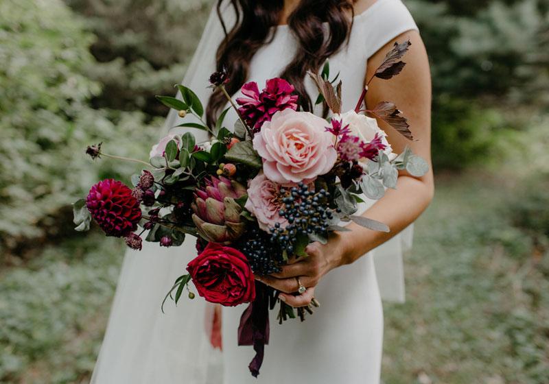 flowers bouquette bride